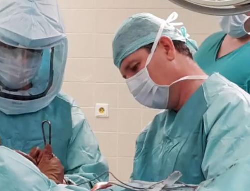 Χειρουργώντας Με Τον Ορθοπαιδικό Mudr Boris Steno